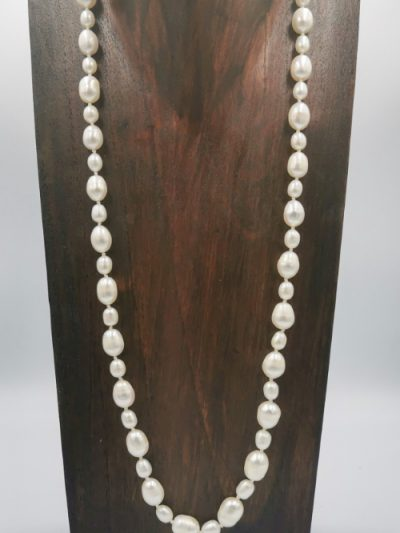 white oval drop-shaped freshwater pearl necklace
