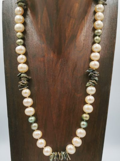 Exclusive freshwater pearl necklace