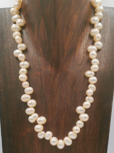 Peach drop-shaped freshwater pearl necklace