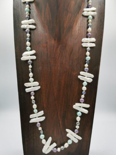 Exclusive white, off-white and grey-blue freshwater pearl necklace