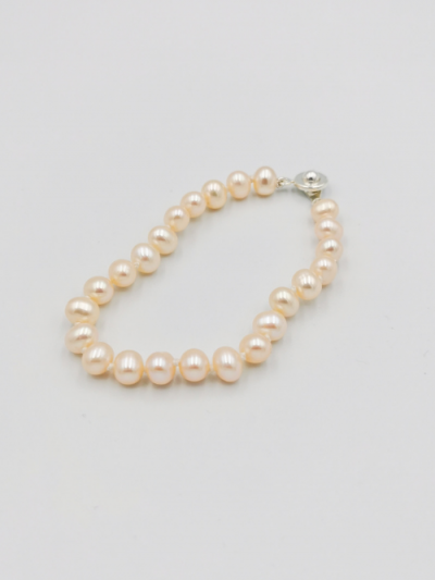 Light apricot potato-shaped freshwater pearl bracelet
